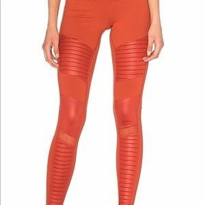 Alo Moto Tights